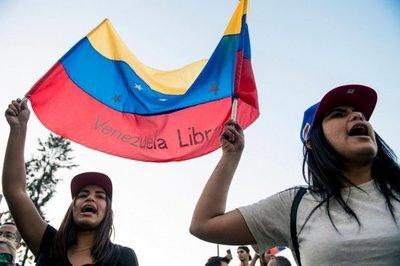 Venezolanos vuelven a las calles hoy