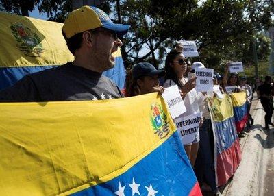 Al menos 15 menores heridos en las protestas en Venezuela, según Unicef