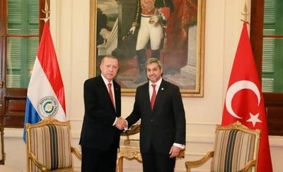 HOY / Abdo y su gobierno buscan afianzar relaciones económicas con Turquía y la región