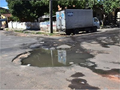 Proponen que Comuna de Asunción pague los daños por baches