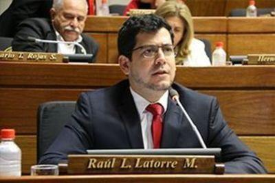 """Diputado Latorre """"La lucha es por una jubilación médica antes de morir"""""""
