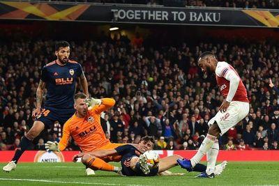 Arsenal y Chelsea sacaron ventaja en semis de la Europa League