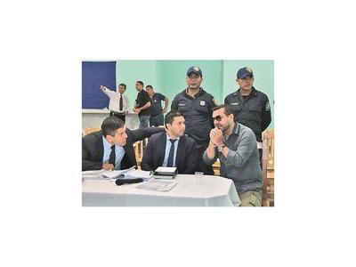 Inició juicio a Oviedo por plagio de Arlan