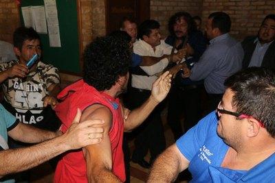 Bochornosa pelea en la Junta Municipal de CDE