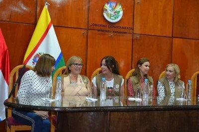 Primera dama, con mujeres de Misiones
