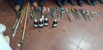 Incautan armas blancas tras requisa en penal de San Pedro
