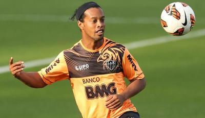 Ronaldinho Gaucho será el invitado estrella
