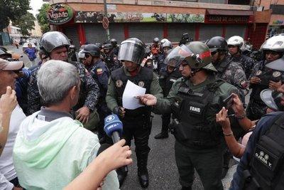 Escasa respuesta al llamado de Guaidó