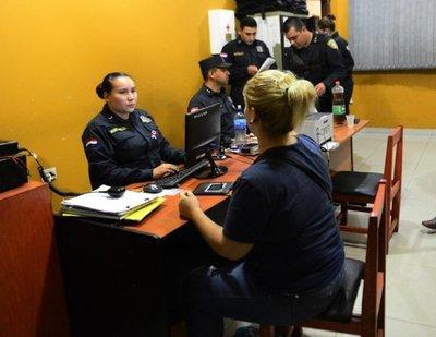 Seis colombianos, detenidos