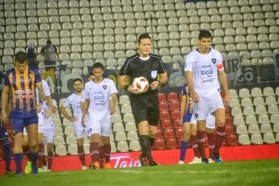 Luqueño vencía 2-0 cuando se suspendió el encuentro