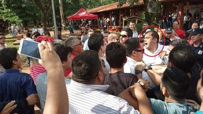 En medio de incidentes, Prieto denuncia fraude electoral en el CRECE