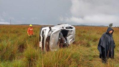 Fiscal sufre accidente de tránsito en Caapucú