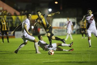 En un entretenido juego, Guaraní venció a River