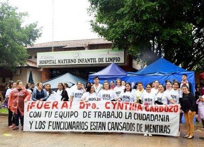 Continúa huelga en el Hospital de Limpio