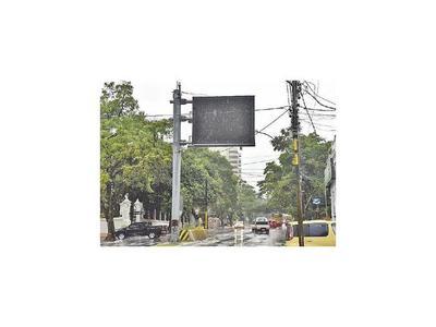 Otra caída de costosos paneles de tráfico