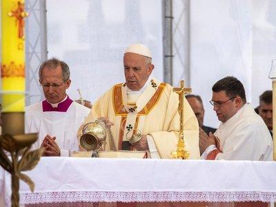 Papa pide que Madre Teresa ayude a que se escuche el grito de los pobres