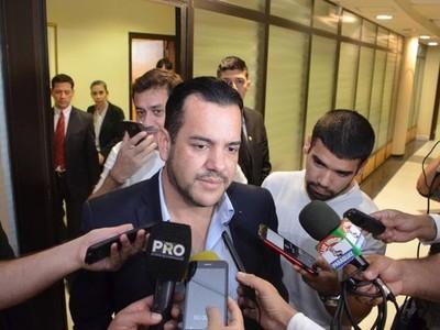 Caso Víctor Bogado: Friedmann asegura que mantendrá su postura