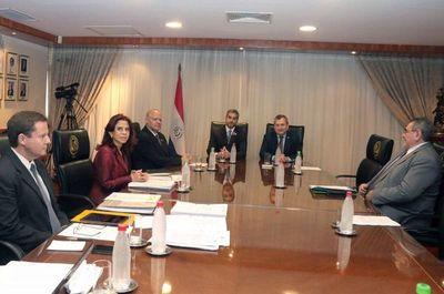 Presidente de la República fue recibido por ministros de la Corte