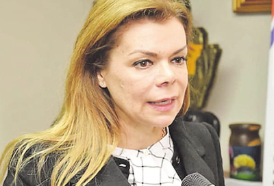 Junta rechaza rendición de cuentas de McLeod