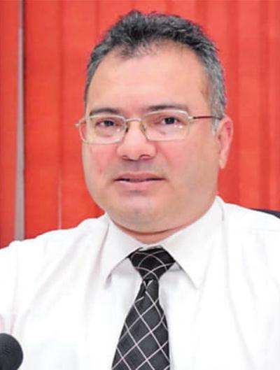 Rodríguez destituye a exdirector de Finanzas