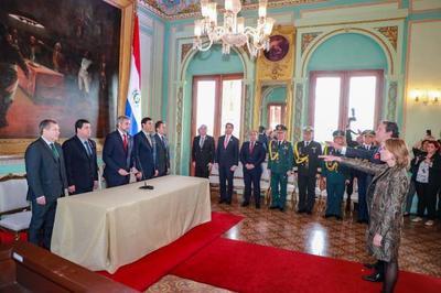 Juran nuevos embajadores paraguayos ante Colombia y Uruguay