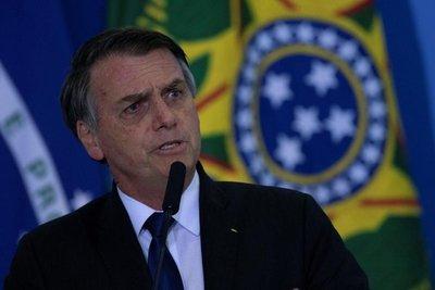 Políticos, camioneros y periodistas podrán portar armas en Brasil