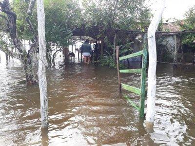 Inundaciones  en Ñeembucú golpean  también a más de 2.000 escolares