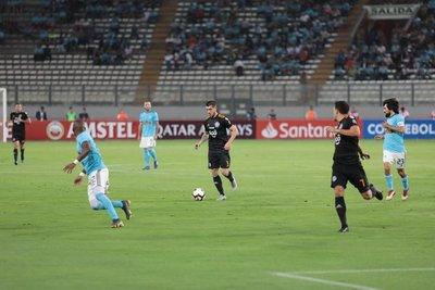 Olimpia enfrenta a Sporting Cristal por octava ocasión