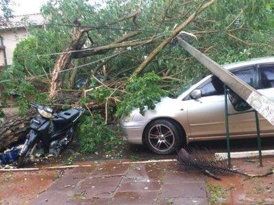 En Misiones, el temporal cobra una vida e inunda hospital y viviendas