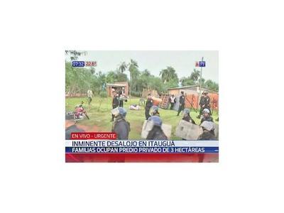 Desalojan a familias de un asentamiento de Itauguá