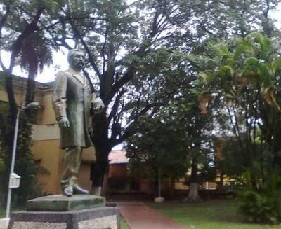 """Actitud de alumnos del CNC """"sorprendió"""" al MEC"""