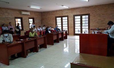 Gas pimienta, amenazas y una breve reunión de la Junta Municipal de CDE