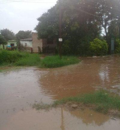 Barrios de San Lorenzo quedaron inundados