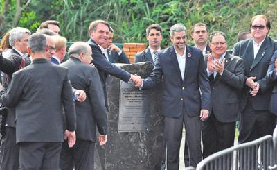 Construcción del segundo puente con Brasil se concreta tras 30 años