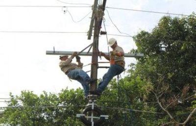 Ande informa que trabajos continúan para restablecer la energía