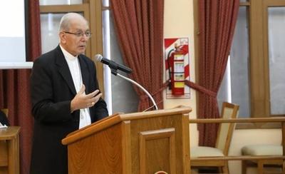HOY / Arzobispo defiende la vida y la familia ante auditorio de la ANR