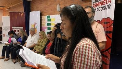Mujeres indígenas chaqueñas entregan propuestas a las autoridades