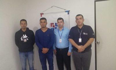 Expulsan del país a extranjero involucrado en tenencia de estupefacientes y violación a la ley de armas