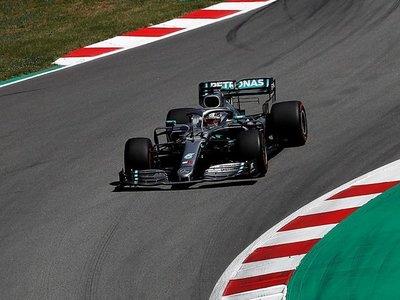 Hamilton recupera el mando y Mercedes prolonga su dictadura