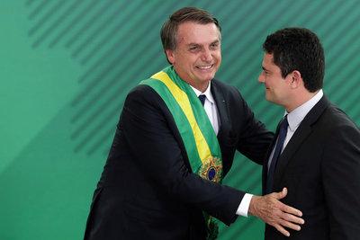 Bolsonaro anunció que nominará al ministro Moro para la Corte Suprema de Brasil