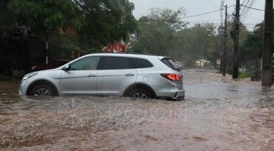 HOY / Urge desagüe pluvial en Asunción y autoridades se tiran la pelota por el retraso