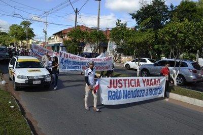 Marchan contra gestión del intendente de San Antonio