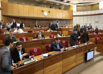 El Senado va tras Salyn Buzarquis, quien es autor confeso de un delito