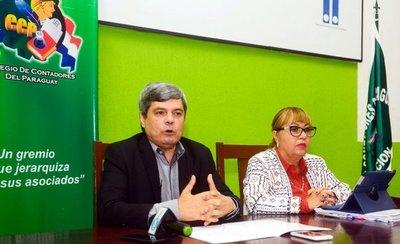 Contadores critican doble liquidación del IRP y la no devolución del IVA