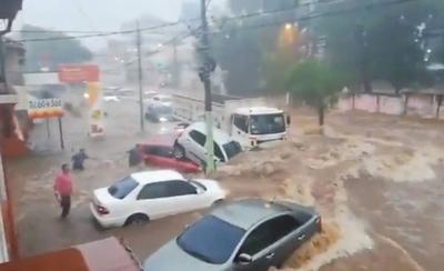 HOY / Gestión de Mario hace agua por todas partes: amerita intervención, dice concejal