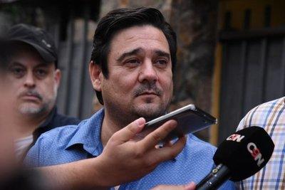 Buzarquis dice que pedido de pérdida de investidura es una venganza política