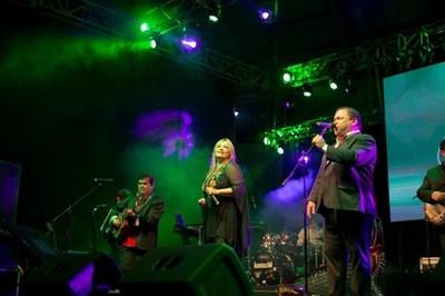 """El """"Tajy Poty"""" se lució en la noche de gala de la IX Edición del Festival de la Madera"""