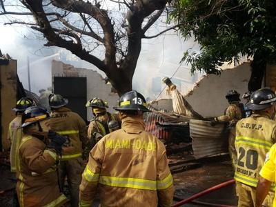 Controlan incendio registrado en una carpintería