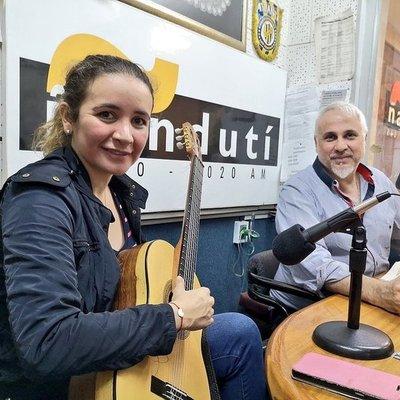 Serenata a Paraguay con la guitarrista que nos representará en Suecia y Rusia
