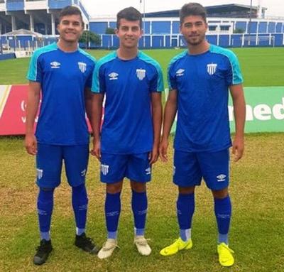 Juveniles paranaenses fichan por Avaí de Brasil